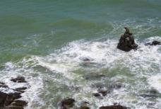 北海海边礁石图片