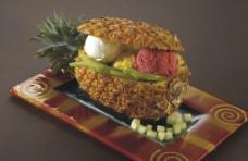 菠萝伴三色雪糕球图片