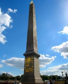 巴黎协和广场的方尖碑图片