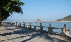 情人桥上的摇影蓝天图片