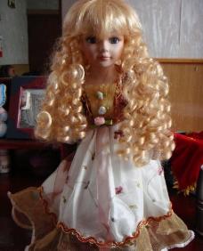 金发娃娃图片