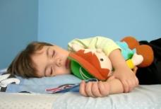 睡觉儿童图片