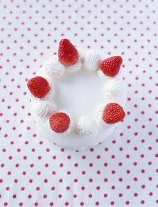 美食蛋糕草莓图片